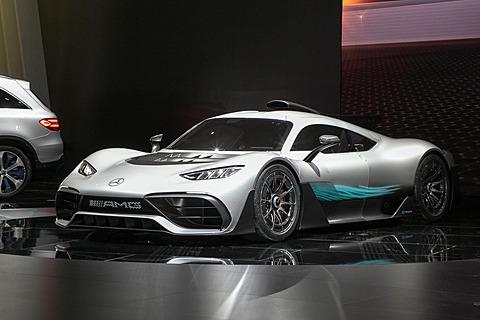 """【東京モーターショー2017】メルセデス・ベンツ、""""世界初の公道走行用F1""""「メルセデスAMG Project ONE」などアジア初公開 メルセデス・ベンツのブースで公開されたPHV(プラグインハイブリッド)スーパースポーツモデル「メルセデスAMG Project ONE」"""