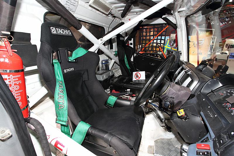 「レンジャー ダカールラリー2014参戦車」。展示車はダカールラリー2014で菅原照仁選手がステアリングを握り、排気量10リッター未満クラスで優勝した車両