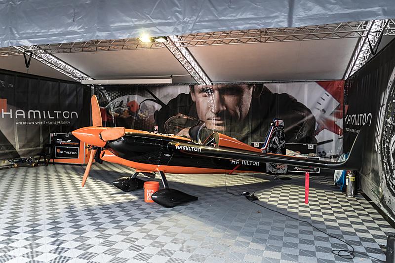 ニコラス・イワノフ選手(No.27 チーム ハミルトン、フランス)の機体「EDGE 540 V2」