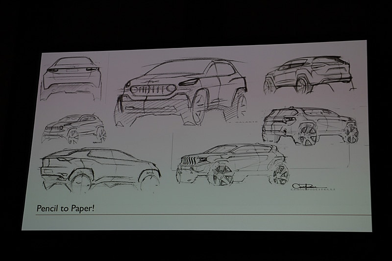 コンパスのデザインは紙とペンから始まったという