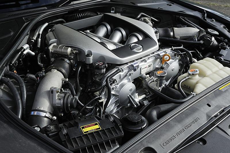 """エンジンチューニングメニューの""""S1""""は、エンジンとトランスミッションのオーバーホールも実施するフルコンバージョンキット。取り扱い店限定メニューとして11月発売予定"""