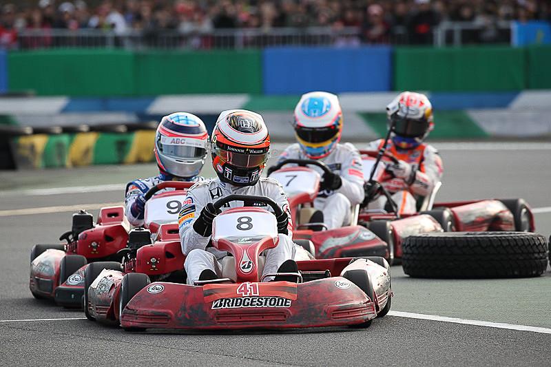Honda Racing Dream Kart Cupは、2輪・4輪の選手たちによるカートレース