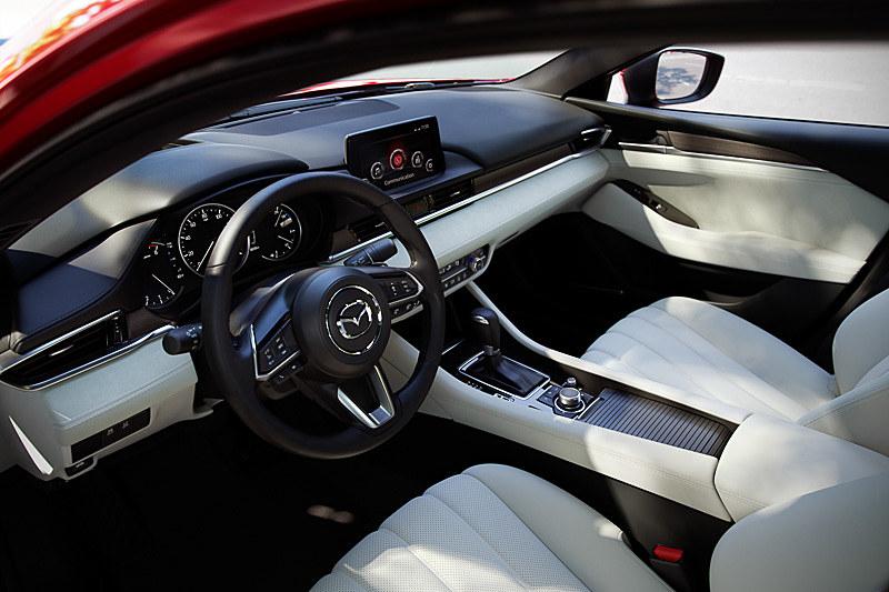 Mazda6 セダンのインテリア