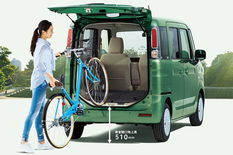 リアシートを格納すると27インチ自転車が搭載可能