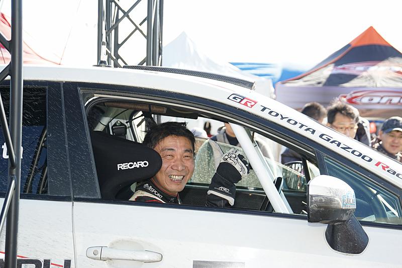 全日本ラリー選手権JN6クラスの2017年チャンピオンの勝田範彦選手(ラックSTI 名古屋スバル DL WRX)