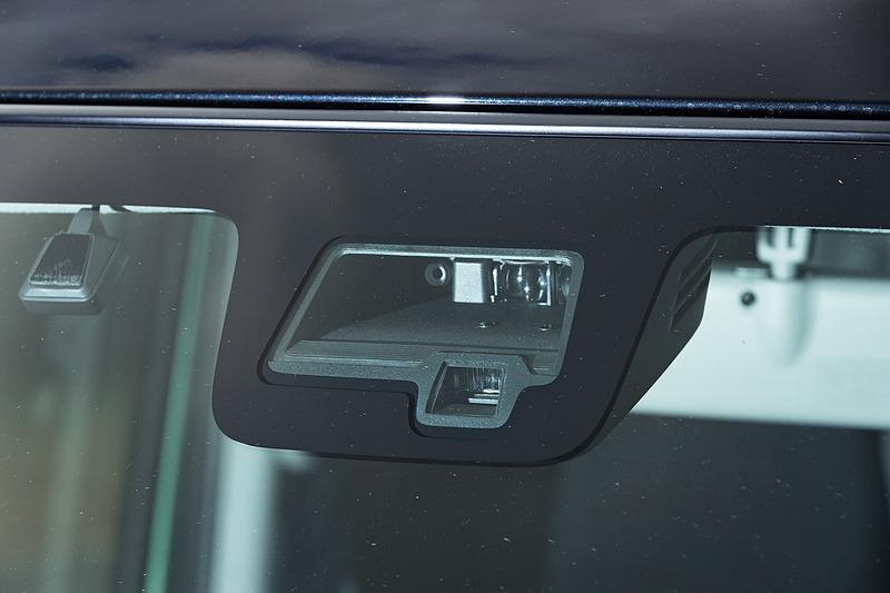 デュアルセンサーブレーキサポートは単眼カメラとレーザーレーダーの組み合わせ