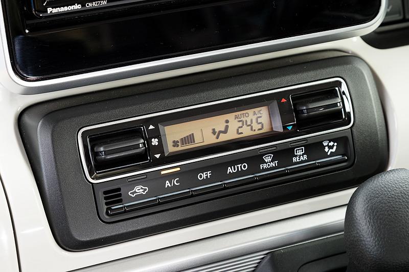フルオートエアコンは全車標準装備