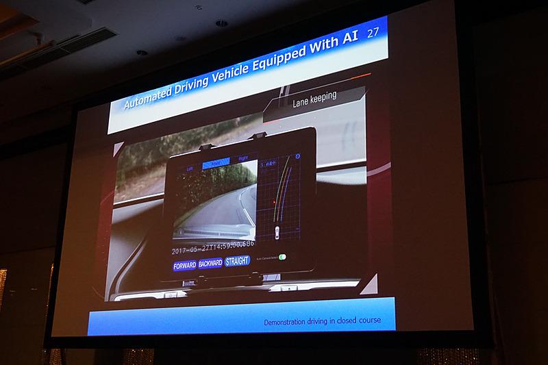 GPSやライダーが有効とならない場面においても自動走行する映像