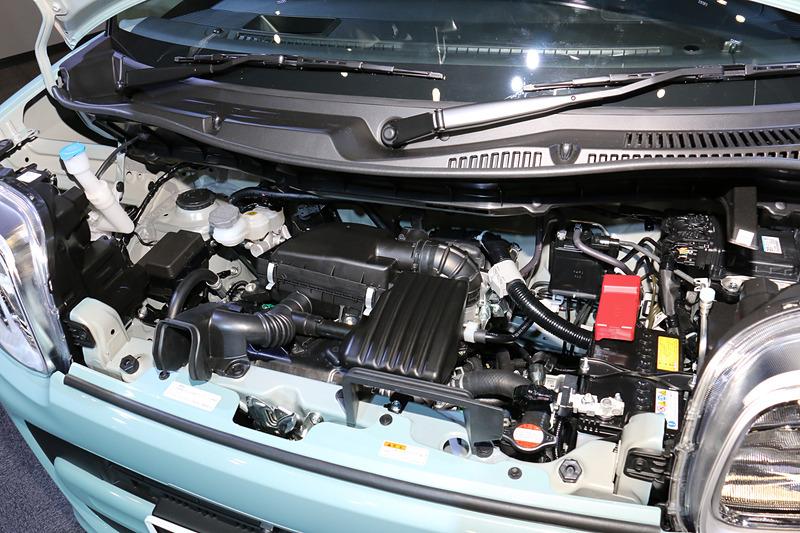 改良型となる自然吸気エンジン。直列3気筒DOHC 0.66リッター(マイルドハイブリッド)で最高出力38kW(52PS)/6500rpm、最大トルク60Nm(6.1kgm)/4000rpmを発生。JC08モード燃費はグレードや駆動方式によって変わり、26.4km/L~30.0km/L