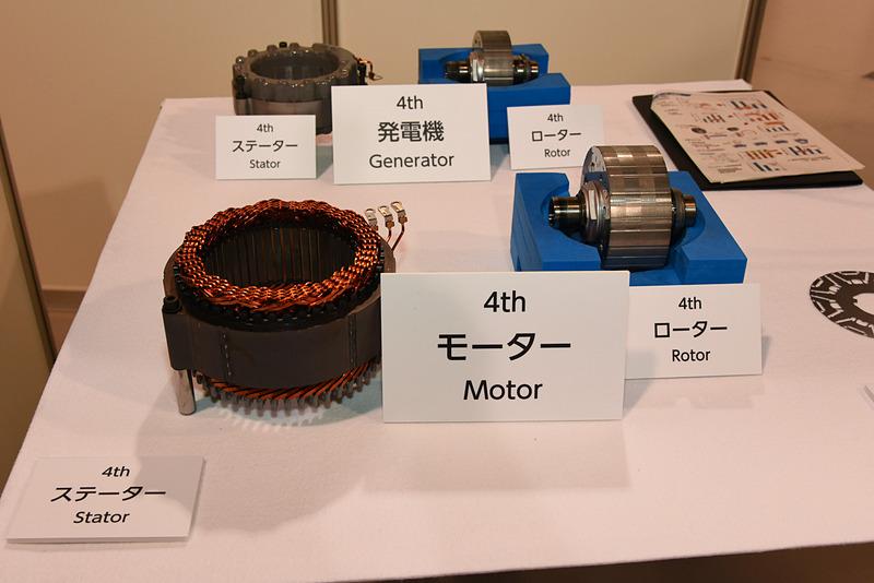 スライドを使った解説以外にも、会場では電動車両の構成部品などについて詳しく説明された
