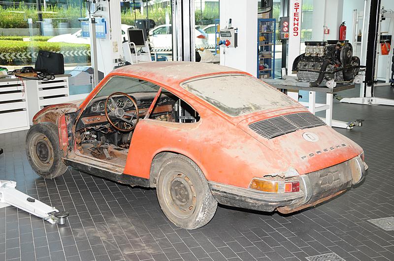 モデル名「901」として生産され車台番号が「300.057」となる最古の「911」をレストア