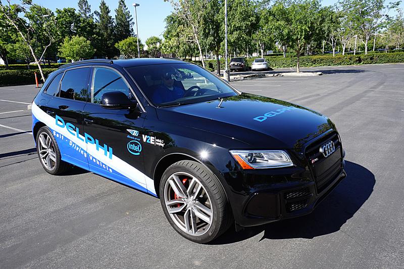 5月にサンノゼで行なわれた、Delphiと共同で試作した自動運転車の公道試乗会の様子