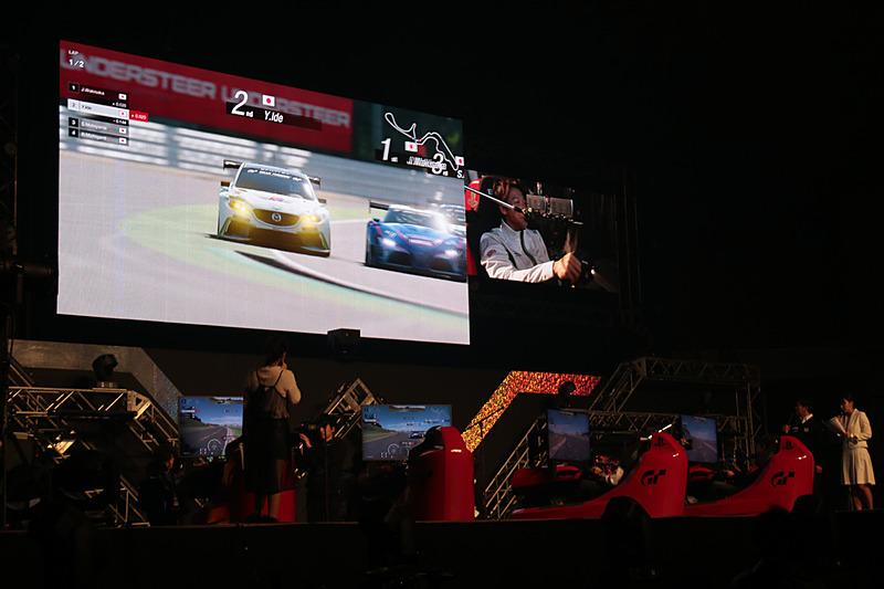 「グランツーリスモSPORT」での模擬レースも披露された