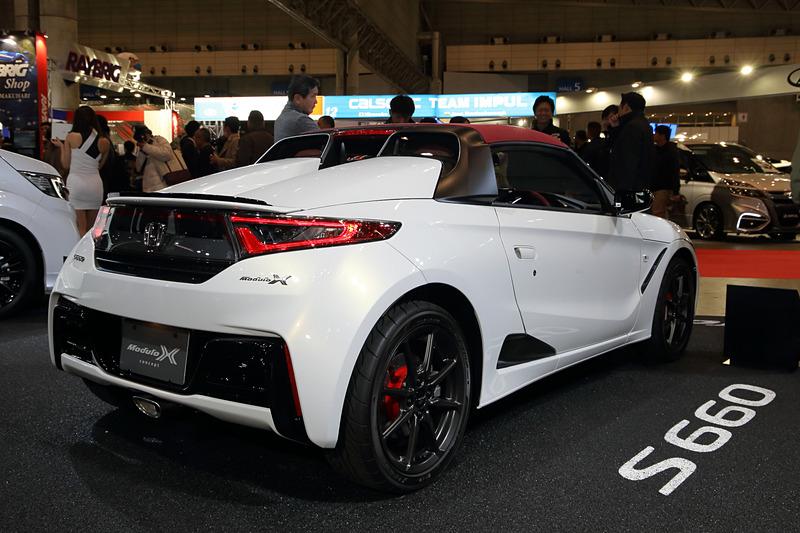 オートサロンの会場でお披露目になったS660 Modulo X Concept。このクルマは来場者の投票によるカスタムカーグランプリの「Kカー・コンパクトカー部門」で優秀賞を受賞した