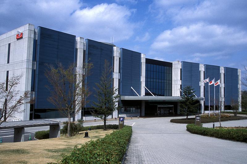 3月に開館20周年を迎えるホンダコレクションホールの外観