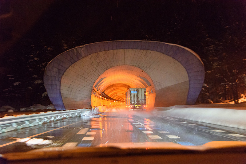 いよいよ関越トンネルへ。トンネルを越えると……