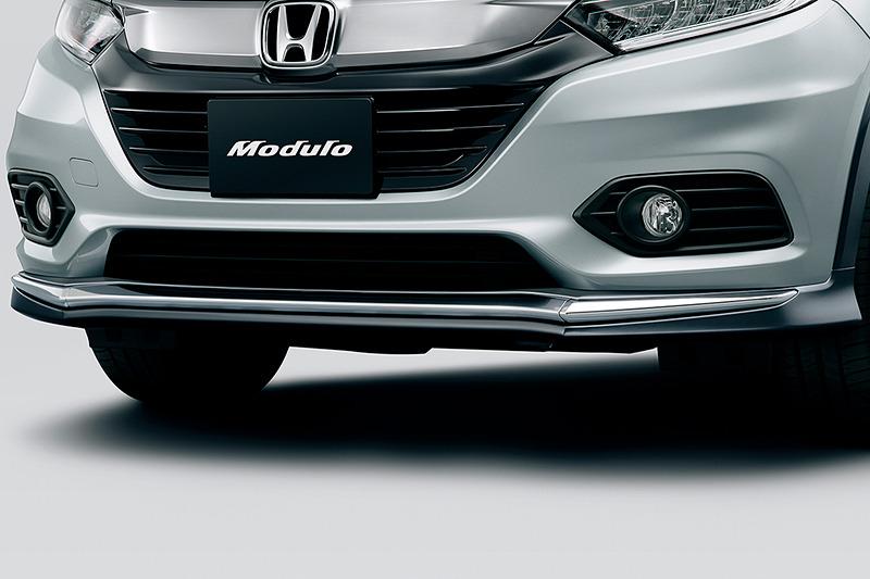 Moduloの「エアロバンパー」はフロント/リア共に「カラードタイプ」(左)、「ガンメタリック塗装」(中央)、「ブラック」(右)の3種類を設定。価格は各4万3200円