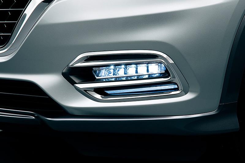 「ビームライトガーニッシュ」(4万1040円)は「プレミアムエアロスタイル」と「タフSUVスタイル」の双方に設定