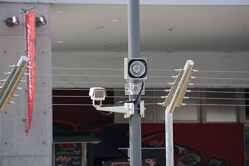 カメラシェアリングサービス「Pan」を導入。コース上に3台のカメラを設置して走行シーンを撮影した写真をユーザーのスマートフォンやパソコンからダウンロードすることができる