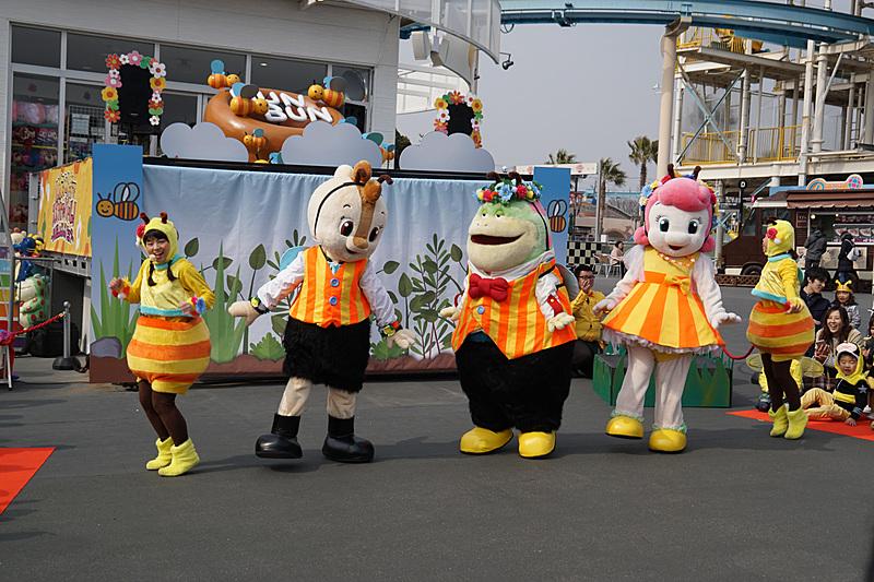親子参加型のイベント「BeeHappyグランプリ」などが行なわれる春イベント「コチラファミリーのプッチハッチグランプリ」が3月3日~5月31日に開催される