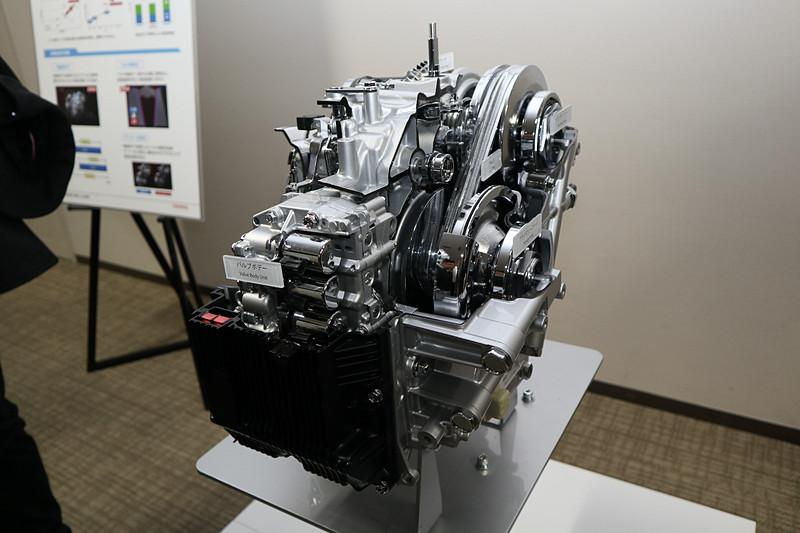 発進用ギヤを世界初採用した「Direct Shift-CVT」