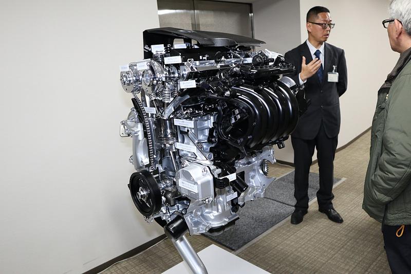 会場で展示された2.0L Dynamic Force Engineのカットモデル