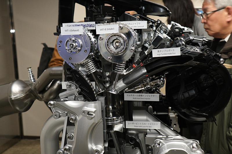 2.5L Dynamic Force Engineで導入された「高タンブルポート」「マルチホールインジェクター」などの技術も踏襲している