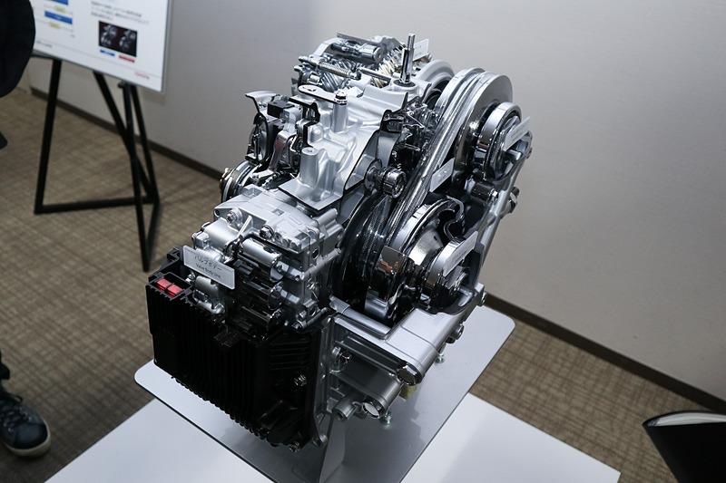 会場で展示されたDirect Shift-CVTのカットモデル