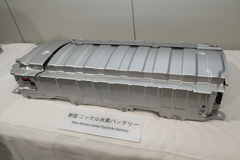 新型Ni-MH(ニッケル水素)バッテリーはコンパクト化で低損失化