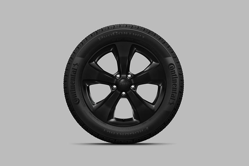 18インチ グロスブラックアルミホイール/225/55 R18 3シーズンタイヤ