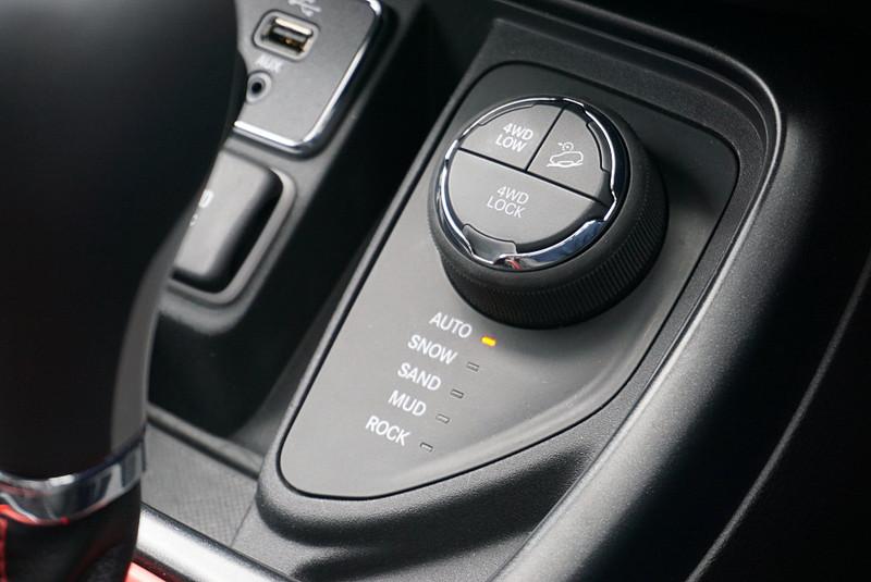 Limitedと同様の作りとなっているが、4WD制御システムが異なっている