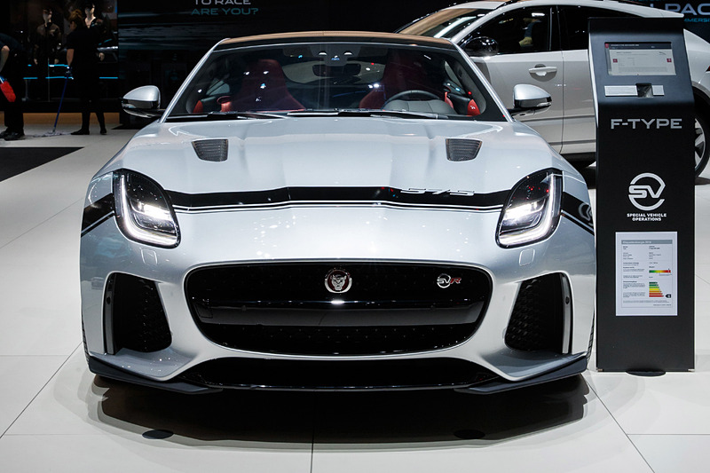 「F-TYPE SVR Graphic Pack」