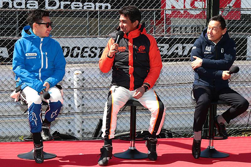 左から小林可夢偉選手、鈴木亜久里氏、中嶋悟氏