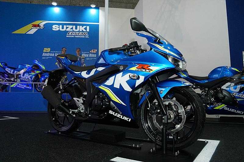 「GSX-R125 ABS」などを展示するスズキブース