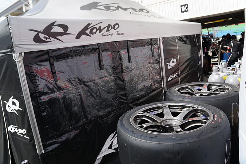 24号車「フォーラムエンジニアリングADVAN GT-R」のKONDO RACING