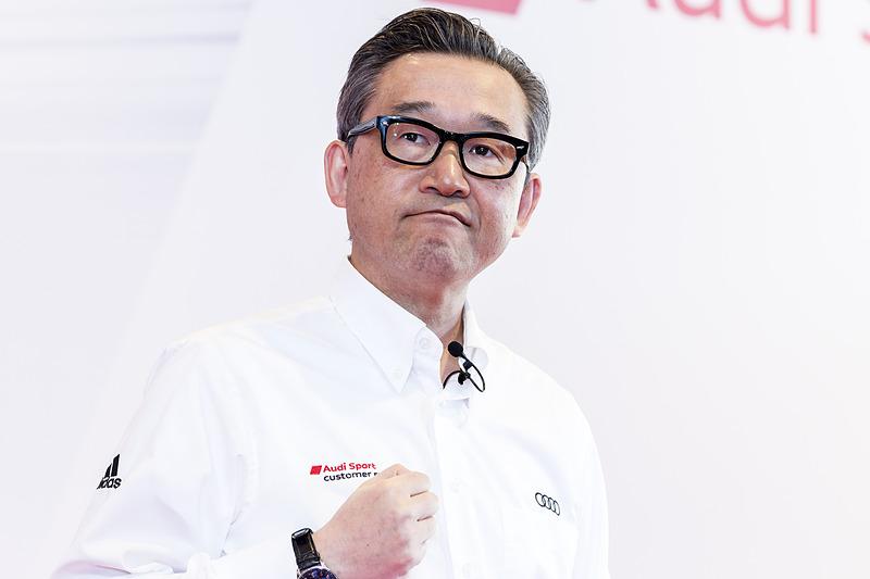 モータースポーツ活動への強い決意を語る斎藤社長