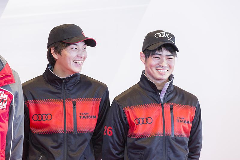 左から、山田真之亮選手、川端伸太朗選手