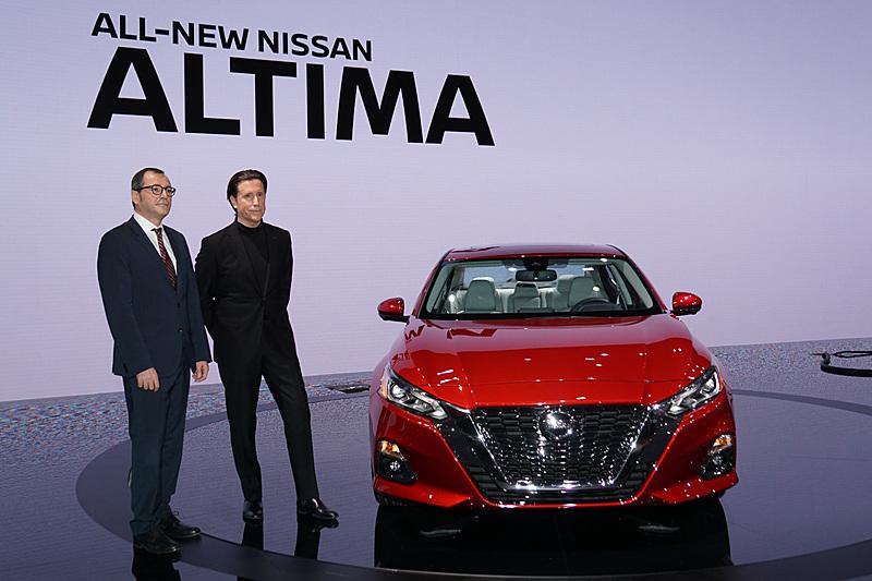 新型「アルティマ」