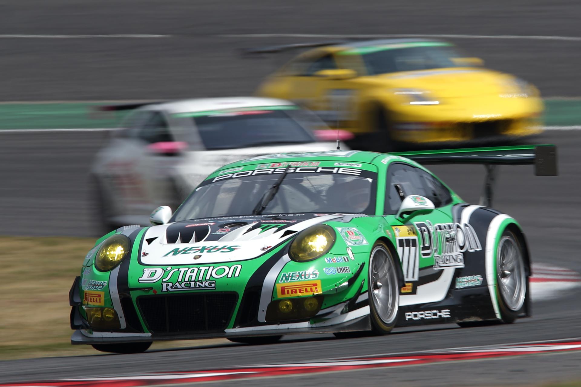 3位 No.777 D'station Porsche(991 GT3)星野敏/荒聖治/近藤翼