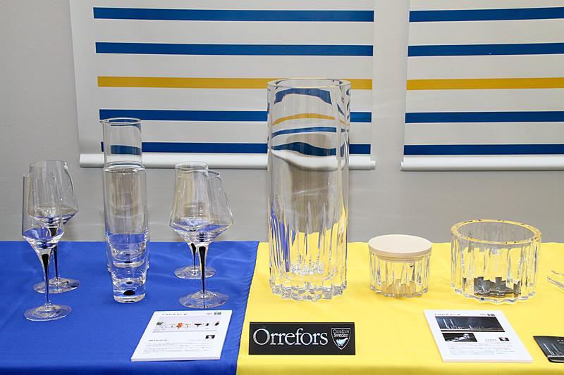 会場にはスウェーデンを代表する各ブランドの製品が展示された。写真はガラスメーカー「Orrefors(オレフォス)」のグラス類