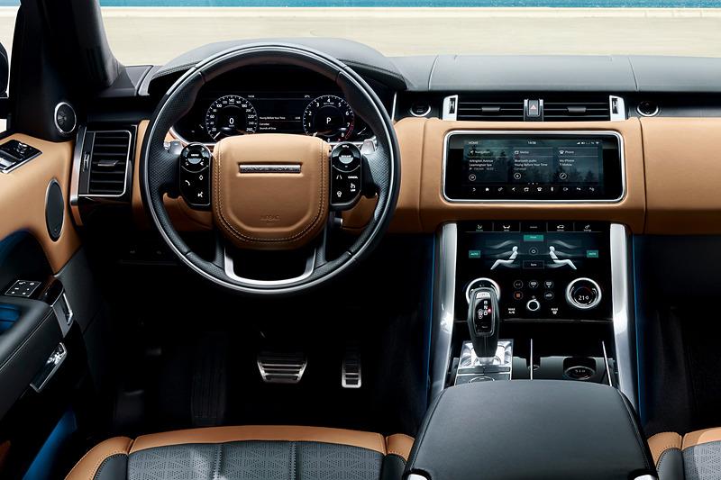 10インチの高解像度タッチスクリーン2個で構成する「Touch Pro Duo」、ブラインドをモーション操作できる「ジェスチャー・ルーフブラインド」、500mLボトル4本が収納可能な「急速冷蔵機能付センターコンソールボックス」などを車内装備に追加
