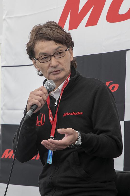 こちらはホンダアクセス Modulo開発責任者の福田正剛氏。福田氏がOKを出さなければModulo Xの開発は次へ進まないというキーマン。Modulo Xは開発に携わる技術者すべてのこだわりが詰まったクルマであることを解説した