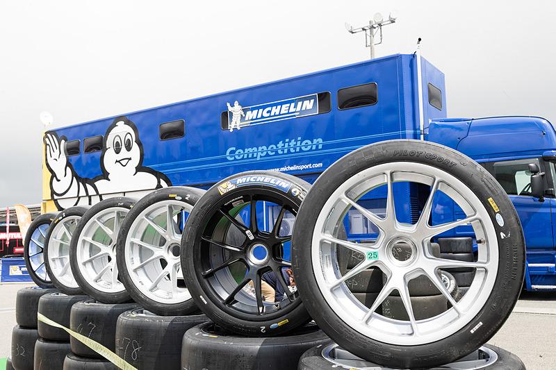 SUPER GT以外のモータースポーツにもタイヤを供給するミシュランタイヤ