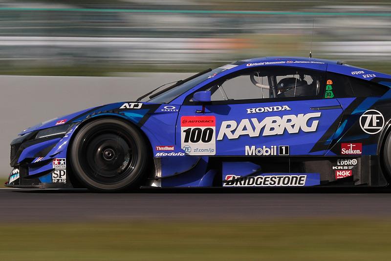 2位になった100号車 RAYBRIG NSX-GT(山本尚貴/ジェンソン・バトン組、BS)。この2位獲得で100号車はポイントランキングトップに躍り出た