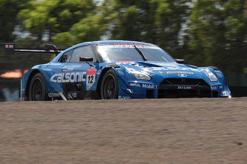 4位となった12号車 カルソニック IMPUL GT-R(佐々木大樹/ヤン・マーデンボロー組、BS)。最終周に36号車の猛追を受けた