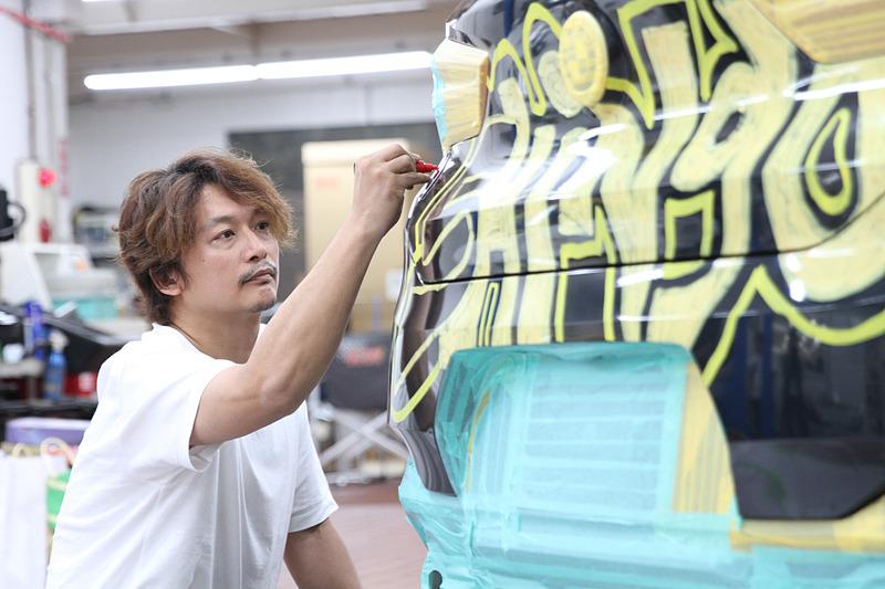 BMW ブランド・フレンドの香取慎吾さんがデザインした「X2 ラッピング・カー」が5月26日~27日に公開