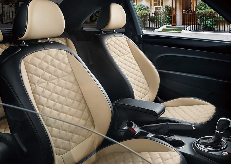 エクスクルーシブ専用となるナパレザーシート(スポーツシート)は、運転席と助手席にランバーサポートを設定