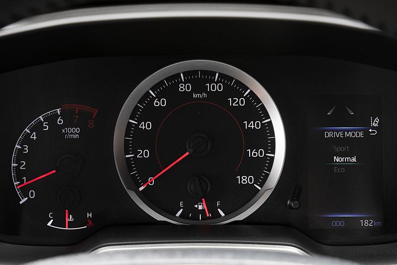 ドライブモードの表示はマルチインフォメーションディスプレイに