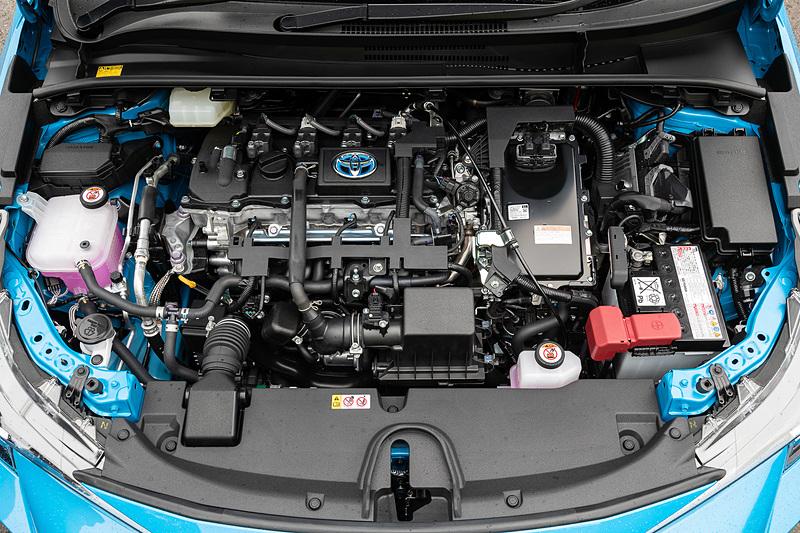 直列4気筒1.8リッター「2ZR-FXE」型エンジンにモーターを組み合わせるハイブリッドモデル