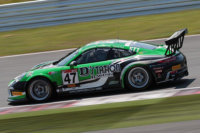 総合7位に入ったST-1クラスの47号車「D'station Porsche cup」